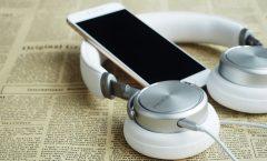 headphones-1599626_1920